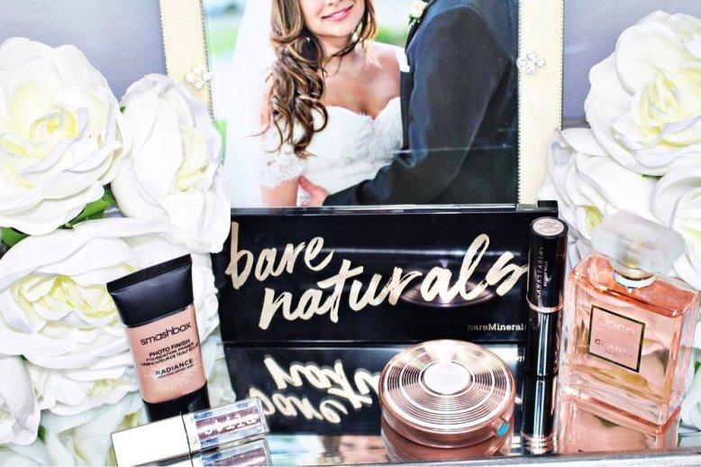 Smashbox Photo Finish Foundation Primer- Radiance , Bare Minerals- Bare Natural Palette,  Stila Liquid Eyeshadow- Smoldering Satin  ,  Estee Lauder Highlighter- Heat Wave ,  Coco Chanel Mademoiselle ,  Anastasia Beverly Hills Contour Stick- Fawn.