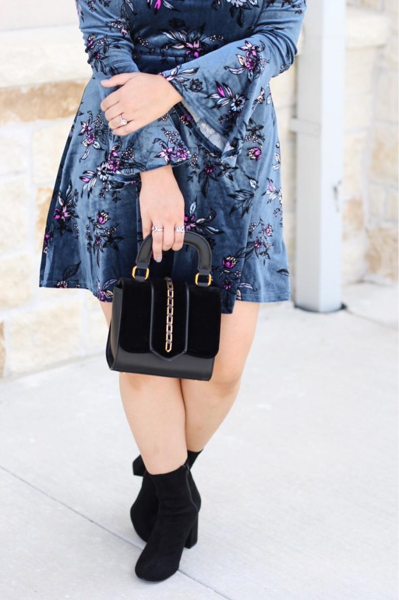 Dress :  similar  || Boots :  here  || Bag :  similar